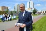 Poseł Koalicji Obywatelskiej Paweł Poncyliusz spotkał się we wtorek z dziennikarzami w Stalowej Woli przy rzeźbie Patrioty.