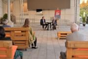 O godzinie 18:00 miało miejsce spotkanie z Dariuszem Pachockim, historykiem literatury, który recenzował Alfabet Tyrmanda.