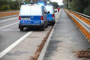 Spacerowicz idący przy korycie rzeki San pomiędzy Elektrownią a mostem na Pysznicę ujawnił zwłoki kobiety. Niezwłocznie powiadomił policję.