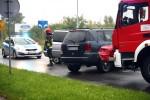 Na ulicy Poniatowskiego zderzyły się czołowo dwa pojazdy.
