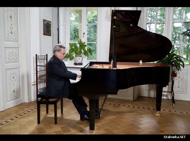 Występuje znakomity pianista Edward Wolanin, w jego wykonaniu utwory Fryderyka Chopina.