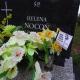Stalowa Wola: Pamiątkowe chorągiewki na grobach stalowowolskich pionierów