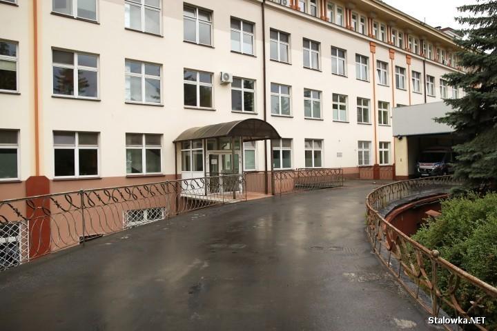 Obecnie na koronawirusa zaszczepiono w placówce szpitalnej 1785 osób.