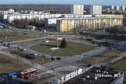 Na skrzyżowaniu Al. Jana Pawła II z ulicą Komisji Edukacji Narodowej o mały włos nie doszło do zderzenia czołowego samochodu osobowego z wozem bojowym straży pożarnej.