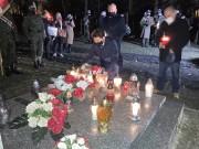 Przedstawiciele samorządu oraz delegacje złożyli kwiaty na grobie Tadeusza Gajdy ps. Tarzan.
