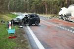 Na Drodze Wojewódzkiej 871 Stalowa Wola - Tarnobrzeg doszło doszło do czołowego zderzenia osobówki z cysterną.
