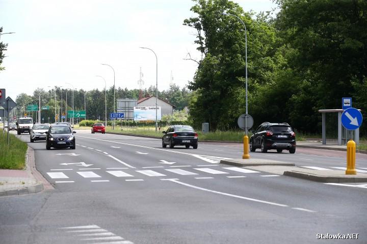 Miasto Stalowa Wola chce uwolnić tereny pod inwestycje od strony torów, za wylesioną już działką. Chce w ten sposób wzmocnić potencjał gospodarczy Energetyków.