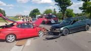 W miejscowości Zdziechowice Drugie (gmina Zaklików) doszło do czołowego zderzenia dwóch samochodów osobowych.