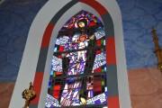 Jeden z witraży w kościele farnym.