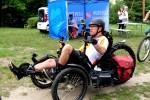 Członkowie teamu Onko Tour zatrzymali się w Parku Miejskim. Przy okazji wydarzenia na górce stanął mobilny punkt szczepień przeciw COVID-19.