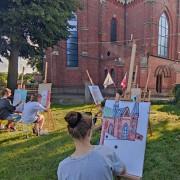 W Muzeum Regionalnym w Stalowej Woli dobiega końca Plenerowa Szkoła Letnia, dedykowana miłośnikom rysunku i malarstwa dla młodzieży w wieku od 13 do 18 lat.