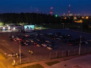 Po raz kolejny do Stalowej Woli zawita kino samochodowe. Organizatorem wydarzenia jest Fundacja Klub Młodych Liderów z Mielca.