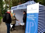 W Parku Miejskim w Stalowej Woli stanął dziś specjalny punkt informacyjny Okręgowego Inspektoratu Pracy w Rzeszowie.