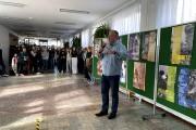 Organizatorem wystawy jest Bartosz Kopyto, nauczyciel SLO.