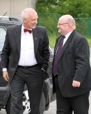 Kandydata na urząd Prezydenta RP przywitał gospodarz miasta Andrzej Szlęzak.