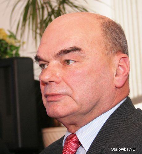 Tadeusz Duszyński, dyrektor MOSiR Stalowa Wola na konferencji prasowej w UM.