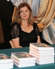 Gosia Brzezińska podczas prezentacji swojej pierwszej powieści pt. Irlandzki koktajl.