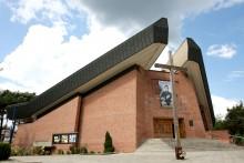Kościół pw. Trójcy Przenajświętszej.