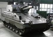 Wieża moździerza automatycznego 120 mm Rak na podwoziu niemieckiego Mardera.