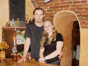 Anna Lachowska i Roger Chruściel - animatorzy życia kulturalnego kawiarenki