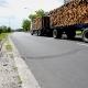 Stalowa Wola: Kłopotliwe kamyczki zalegają na drogach w Stalowej Woli