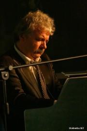 Konrad Mastyło znany pianista Piwnicy pod Baranami zadebiutował w roli aktora.